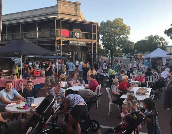 crowd,at,Old,Perth,Markets