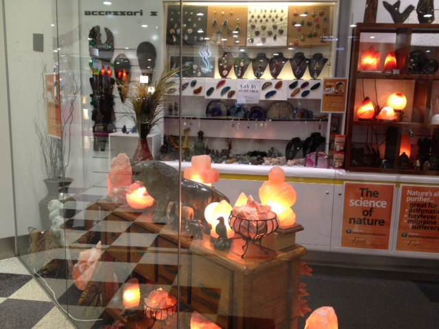 crystal salt lamps, healing, wellbeing, improve concentration , asthma relief, reduce air pollutantsy