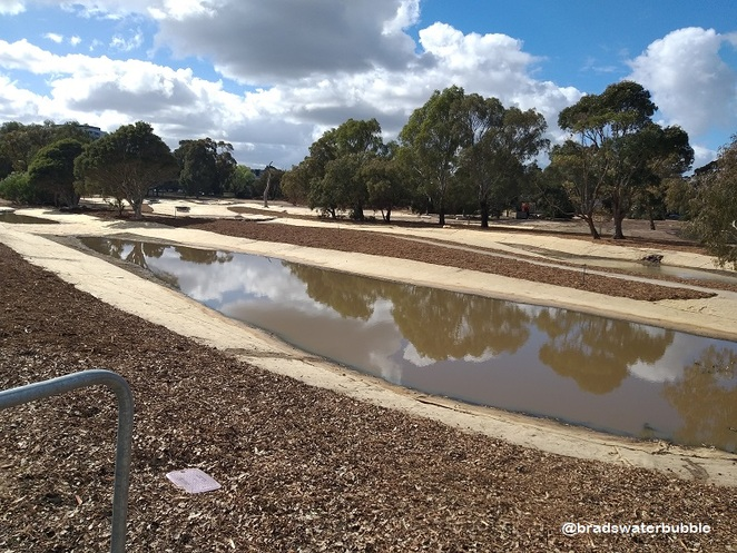 Elsternwick Park Nature Reserve, Elsternwick Golf Course, chain of ponds