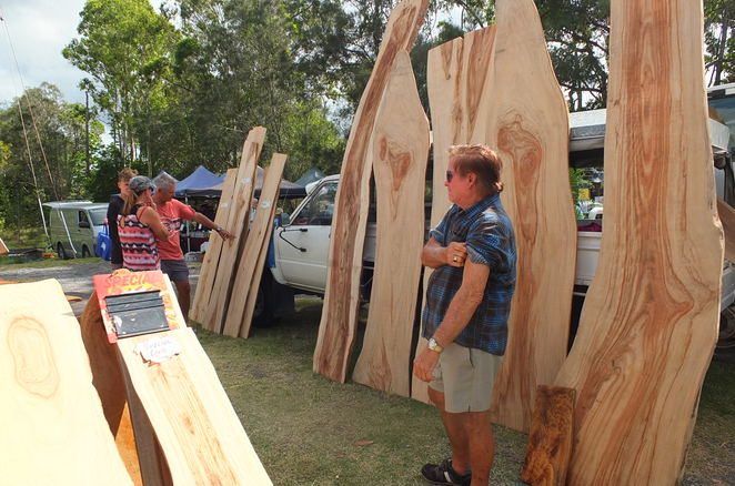 Fishermans Road Sunday Markets, Lions Club of Mooloolaba, Maroochy Sunday Markets, 128 stalls, fruit and veggies, pet treats, hand tools, popcorn, fresh seafood, second-hand items, baby goods, home made toys, furniture, massages, dog friendly, flowers, fish, face painting, Eumundi Roses, garlic, Blue Gum Honey, ice-cream, jumping castle, Made for Lovin', mens' stuff, mats, new clothing, pre-loved clothing, antiques, plants, cow poo, chook poo, Quirk Recycled Beads, seedlings, sourdough breads, prepared timber, Paynter River, Diddillibah, Wendy's Soy Wax Candles, burgers, sausage sizzle, slush puppies, Espresso coffee, stall holders