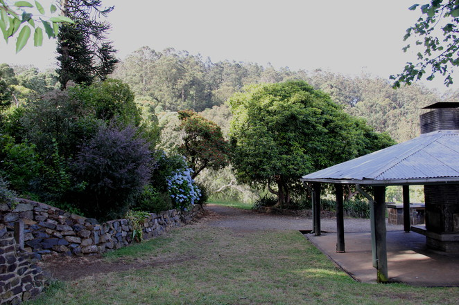Gardens and views, picnic in paradise, Kalorama.