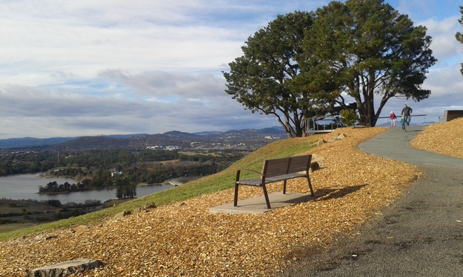National Arboretum, Canberra, Dairy Farmers Hill Lookout