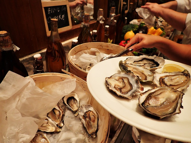 oysters in Kwee Zeen Magnifique Sunday Champagne Brunch at Sofitel Singapore Sentosa Resort & Spa