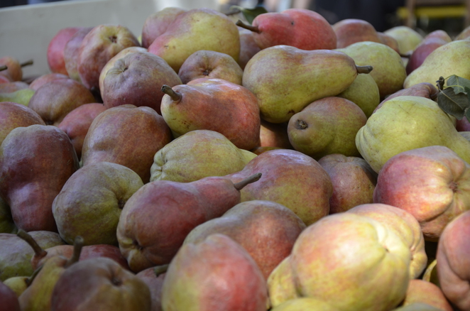 Pink Pears at $2.00 a KILO WOW - I can afford to make pear jam again.