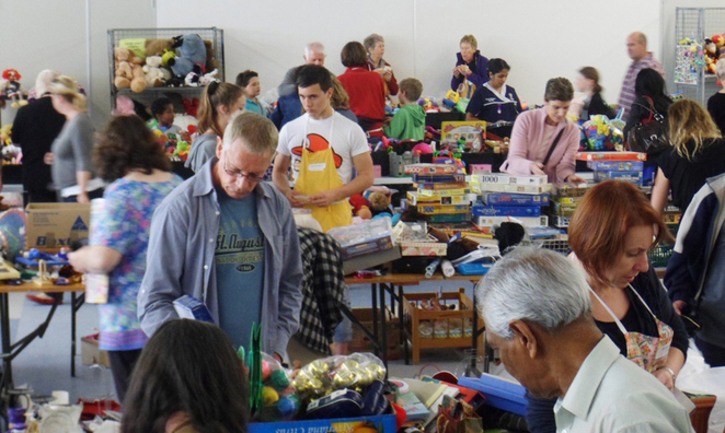 Scroungers Winter Garage Sale 2017 Scroungers at work
