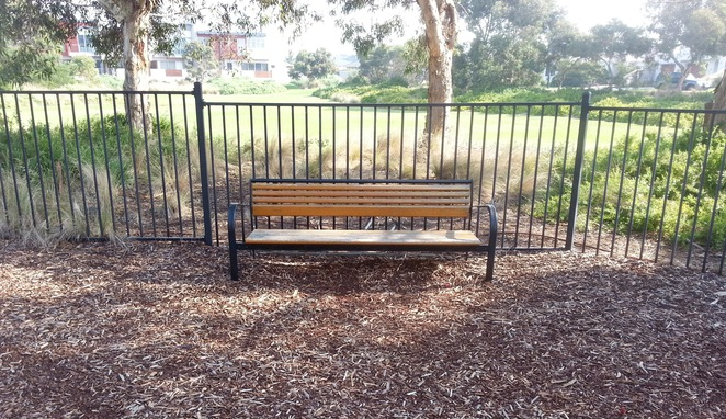 Seabank Estate, Seabanks, Seabank Drive, Barwon Heads, Park, Playground, Bellarine Playgrounds, seat, wooden seat,