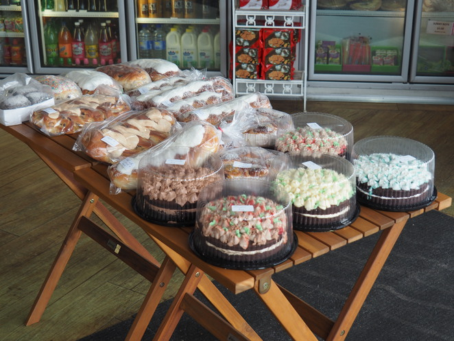 cakes, buns, Beachmere Bakery,