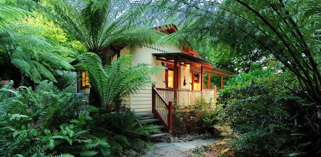 Como Cottages, Dandenong Ranges accommodation, romantic getaway, forest walks, self-contained cottage