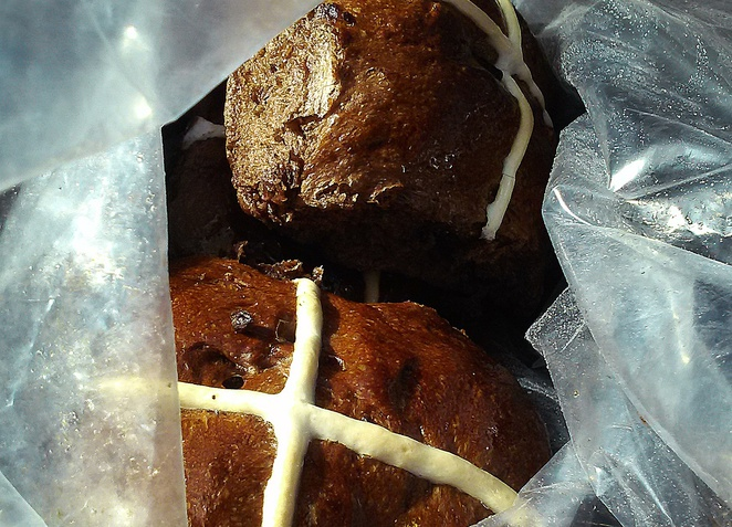 nimmitabel bakery, canberra, nimmitabel, merimbula, bega valley, snowy mountains, snowy mountains highway, easter buns, hot cross buns,