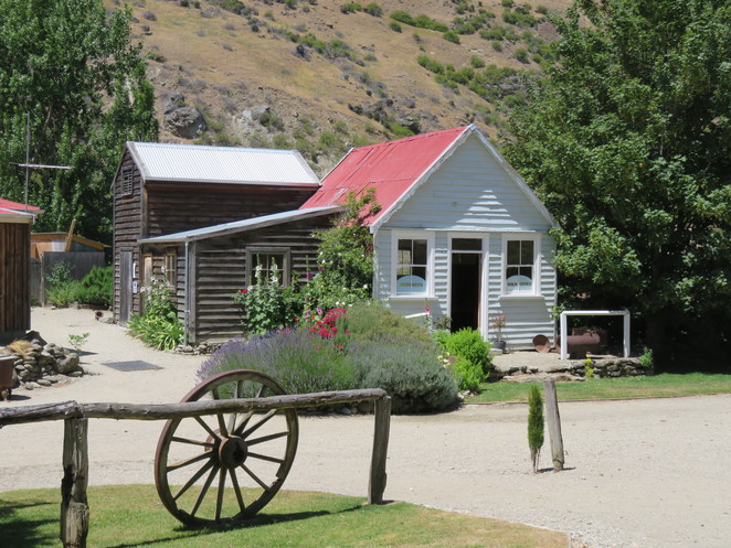 Queenstown, Goldfields Mining Centre, Gold panning, New Zealand, families,