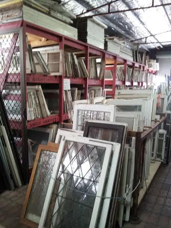 salisbury, second hand, electrical, antiques, collectibles, renovators barn
