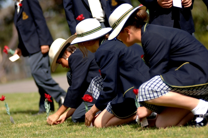 School children celebrate ANZAC Day at the Shrine. Photo from the Shrine of Remembrance Melbourne, by Belinda Mepham.