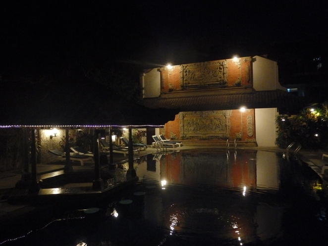 Ari Putri Hotel by night