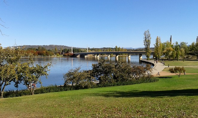 commonwealth park, canberra, lake burley griffin, central loop, walking paths, ACT, cycling loop,