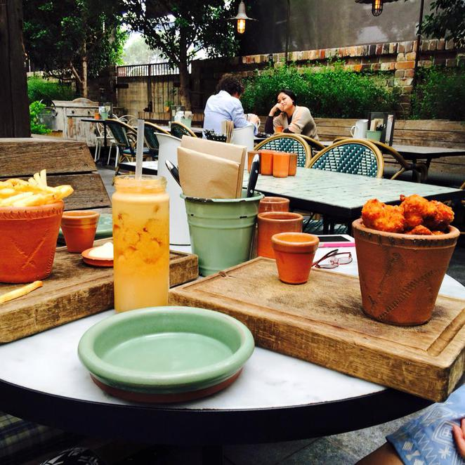 food, chips, chicken, buttermilk, honey mustard, aioli, tomato jam, the potting shed, the grounds of alexandria