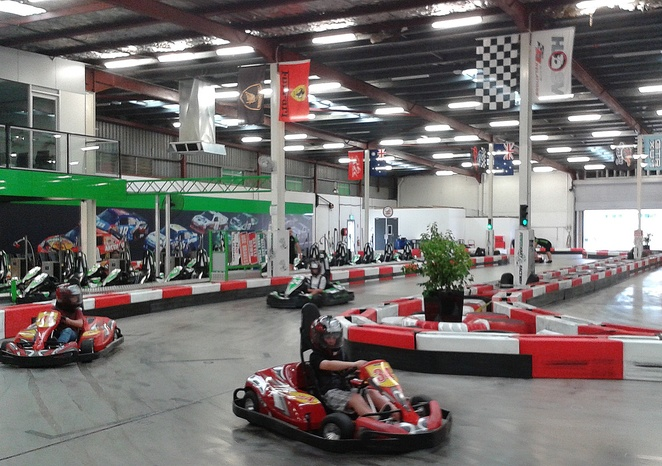 go karting, power kart raceway, jungle mini golf, iskate, synthetic ice skating, school holidays, kids, chidlren, indoor, winter, weekends,
