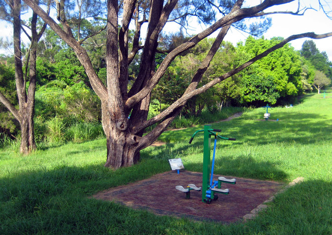 Exercise equipment on the Kedron Brook Bikeway