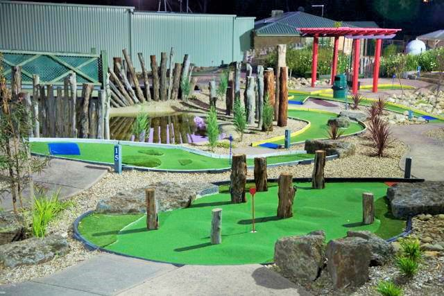 LaTrobe Golf Park, mini golf, adventure golf, putt putt, crazy golf, mini golf in melbourne