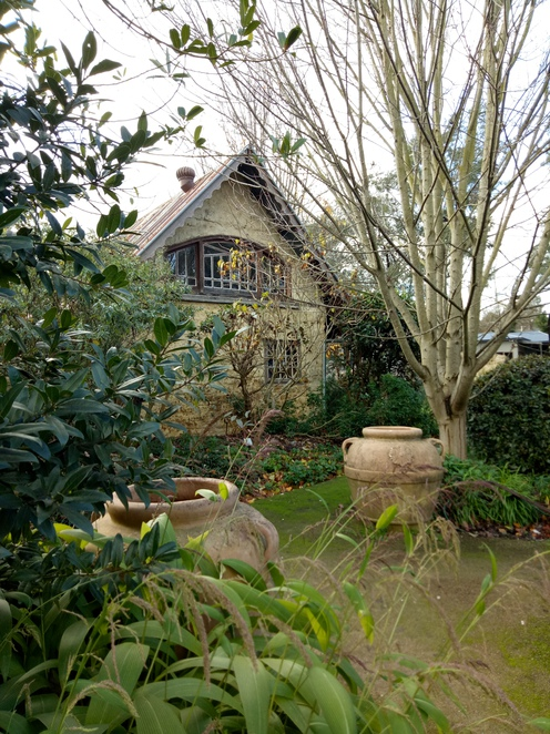 Mudvrick, cottage, french gardens, cafe, homewares, gifts, coffee, tea, lunch, eltham, lilies on brougham, fashion,