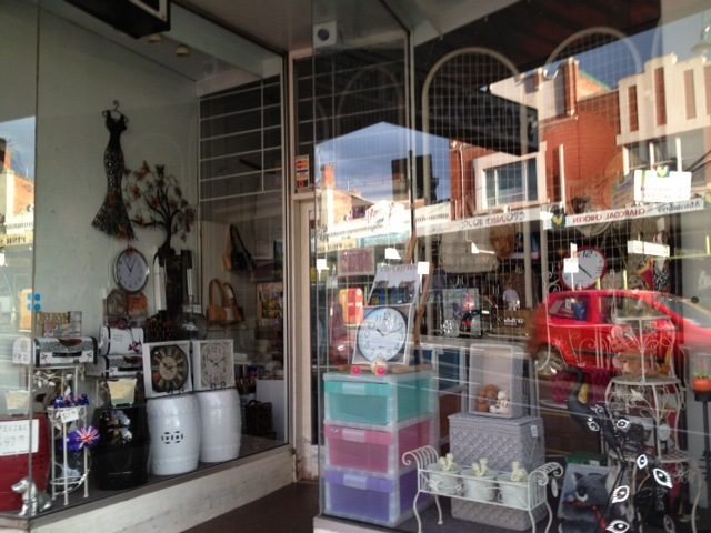 shopping strip, local shopping, community shopping, cafes, coffee, trendy cafes, homeware, close to city,