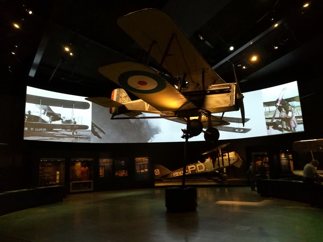 anzac hall, australian war memorial, canberra, world war 1 planes, world war 2 planes, landing place cafe, exhibitions, anzac hall exhibition, ACT, war, memorial, history, sounds and light shows,