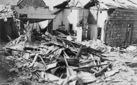 bombing of Darwin, Darwin post office, sacred heart mission, Bathurst island, 19 february 1942, Darwin history, hurtle bald, Japanese air raid, east point gun emplacement, Adelaide river war cemetery, Berrimah war cemetery, kahlin oval