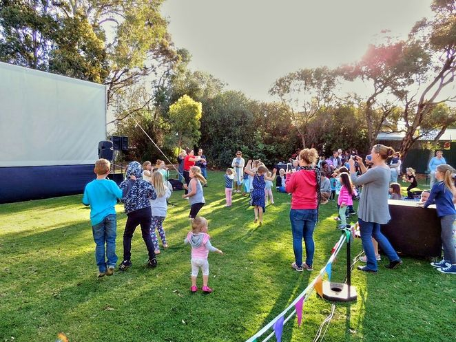 free outdoor movies in adelaide, free outdoor movies, free outdoor cinema, fun things to do, fun for kids, free movies, city of marion, marion cultural centre, civic park, city of unley