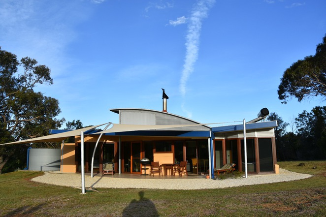 grampians, halls gap, boroka downs, country, victoria, stawell, ararat, pomonal, getaway, cabin, luxury, luxurious, residence, bed and breakfast, b&b, glamping, private