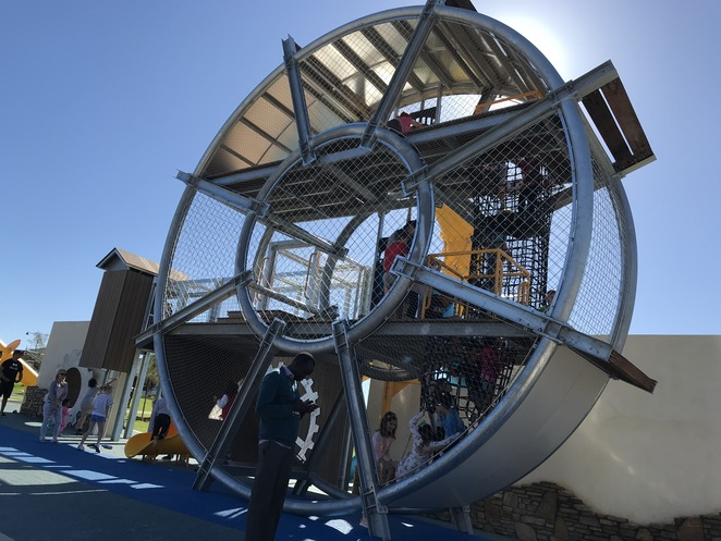 playgrounds in perth, best playgrounds in perth, ellenbrook parks, aveley park, fenced playgrounds, things to do in school holidays, fun for kids