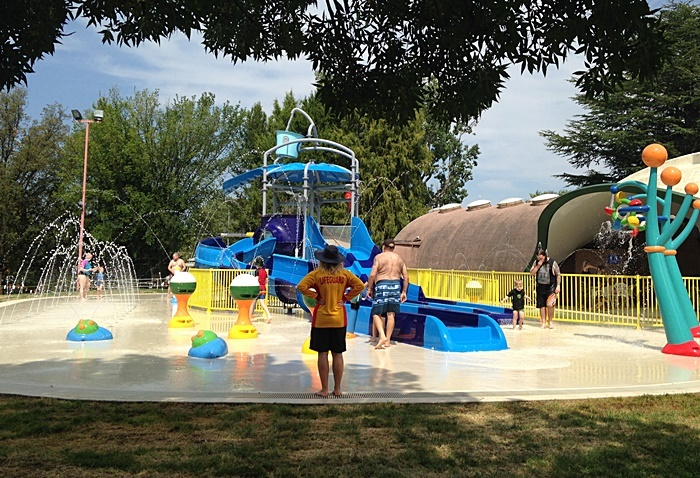 Queanbeyan pool wet play area canberra - Public swimming pools tri cities wa ...