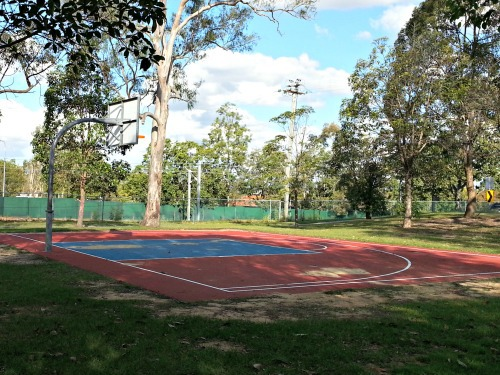 Settlers Park Woodridge basketball court
