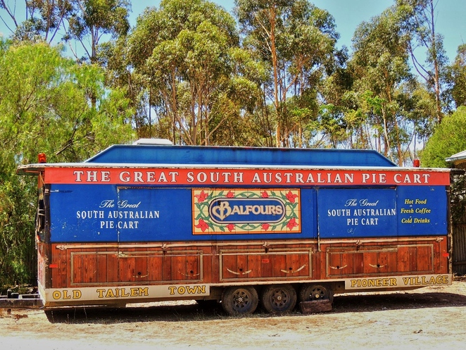 tailem town, ghost adventures, history of south australia, ghost tours, old tailem town, holiday in sa, about south australia, tourism, tailem bend, pie cart