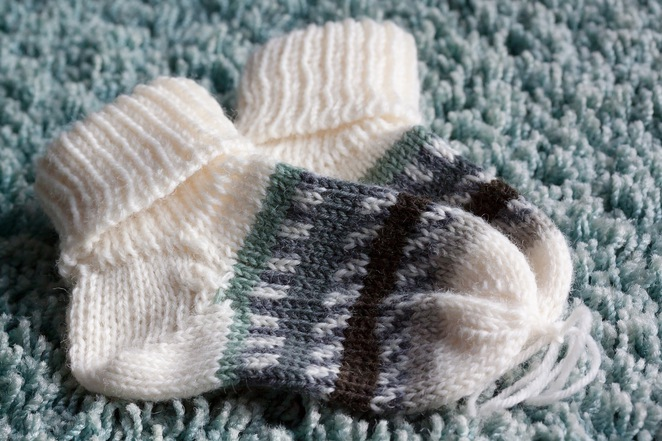 Baby sock, Geelong Mums, donate baby clothes, woollen socks,