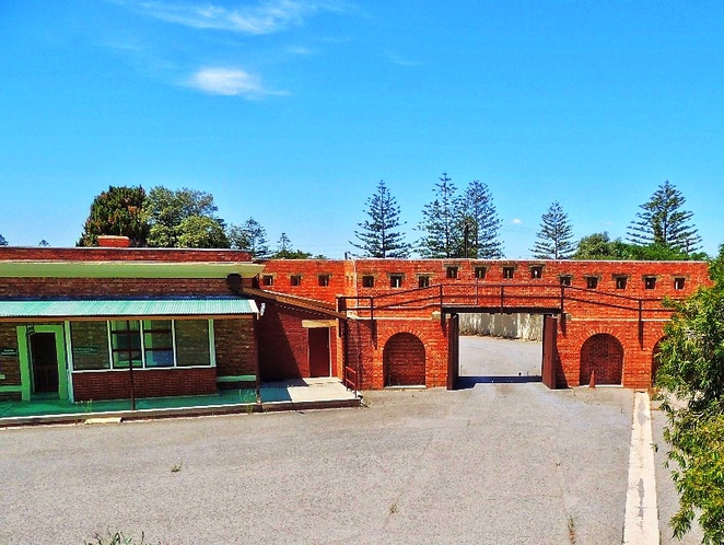 fort largs, fort largs police academy, australian forts, about adelaide, sa police, police academy, coastal fort, sapol, heritage sites, defence wall