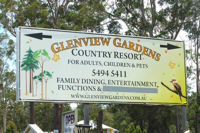 Glenview Gardens Country Resort, new management, new chef, M1 Bruce Highway Exit 190, Ettamoga Pub, Aussie World, breakfast, lunch, dinner, tiny tots playground, entertainment for the 'tweens', pooches patch, live entertainment on Sundays, special occasions, special events