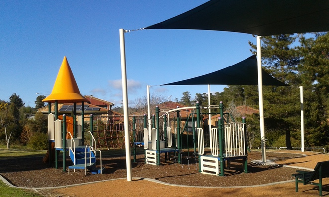 isaacs park, playground, isaacs, woden, canberra, act, julia flynne avenue, playgrounds, parks, ACT, canberra.