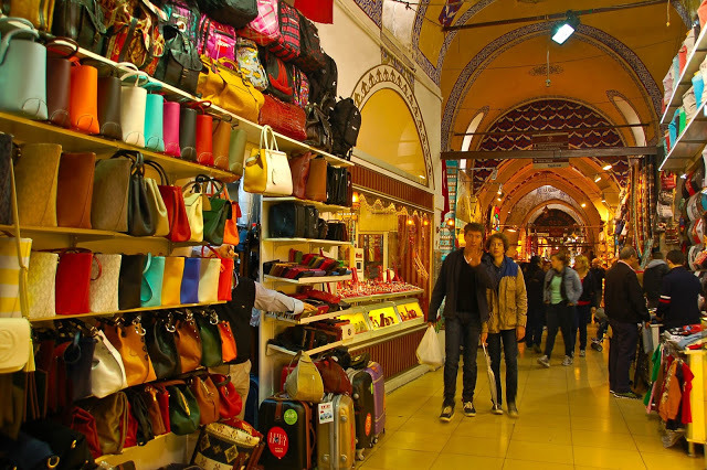 istanbul, grand bazaar, shopping in istanbul, the grand bazaar, spices in turkey, turkish delight, quality markets, markets by the bosphorous