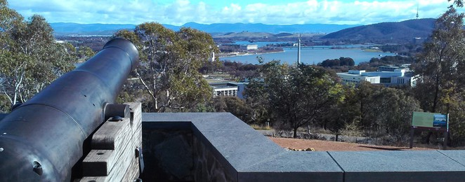 mount pleasant lookout, canberra, lookouts, canberra tracks, track 3, looking at canberra, self guided drives, ACT