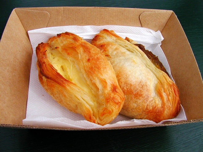 pastries, ricotta, about adelaide, pastizzi, archie the pastizzi bus, moroccan lamb, mushy peas, in adelaide, food truck, pork