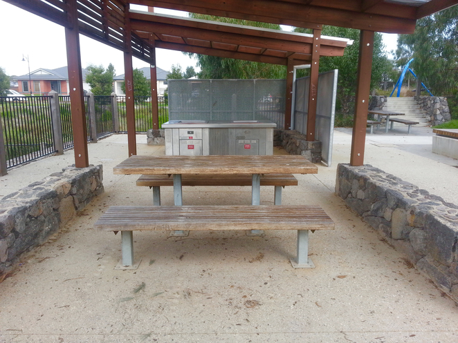 Percy Cherry Park, Curlewis, Bellarine, Clifton Springs, wooden picnic table, Picnic shelter, Barbecue,