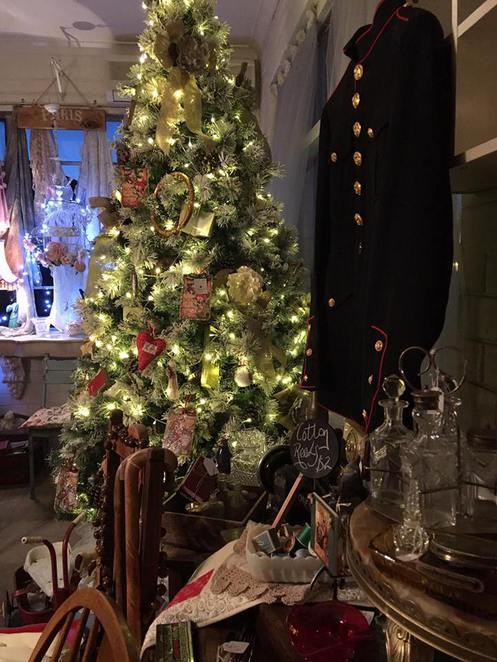 shabby chic vintage double christmas marketplace,up cycled & repurposed furniture, handmade items, handcrafted items, vintage markets in perth, retro market