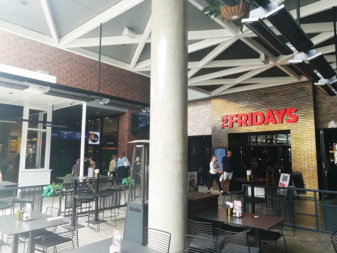 TGI Fridays, the courtyard, green hills, shopping centre, restaurants, cafes, breakfast, lunch, dinner, hoyts, timezone, newcastle, east maitland, NSW, stockland,