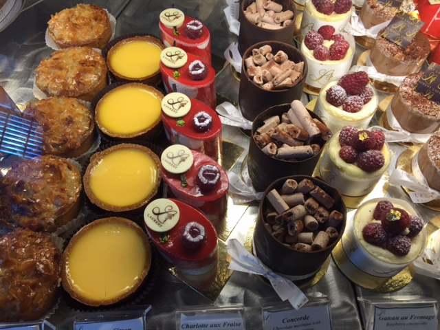 café, great food, bakery, vegetarian and vegan, coffee and cakes, all day breakfast, best cakes, French/European style breads, pastries,