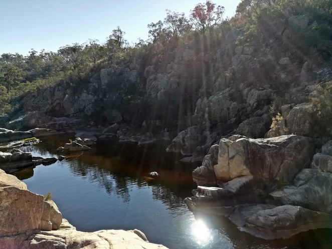 cascades, lookout, googong, googong dam, swimming area, fly fishing, river swimming holes, NSW, ACT, near canberra, near Googong,