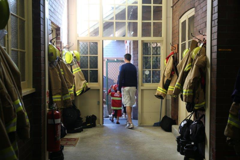 how to become firefighter nsw