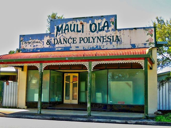 ghost signs, ghost signs in south australia, old signs, fading ads, brick ads, south australia, derelict, painted signs, signs, polynesia