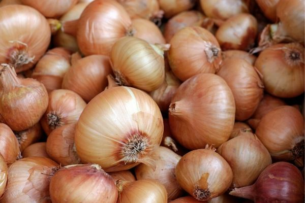 how many onions on a sausage sizzle