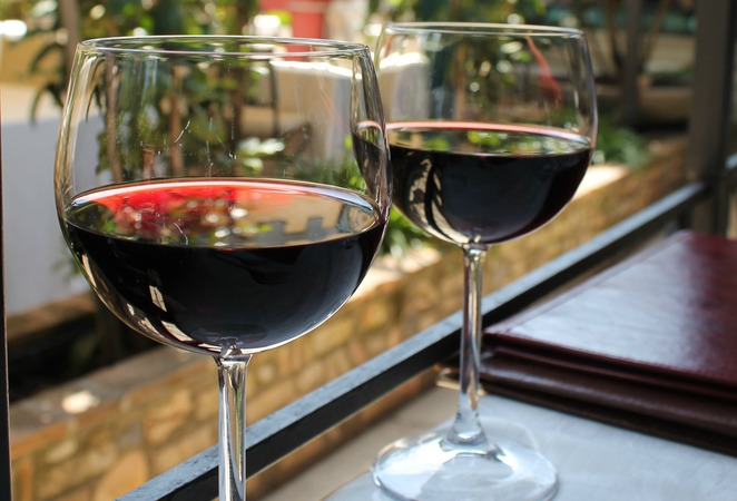italian red wine l'archeologia restaurant rome table