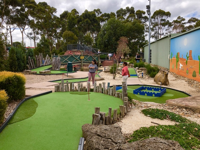Mini Golf, Driving Range, family activity, outdoor activity, golf, sports activity, functions, parties, gift vouchers,