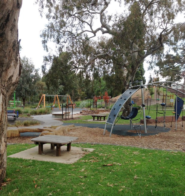 play area, Edwardes Lake Park, barbecue, picnic, kids